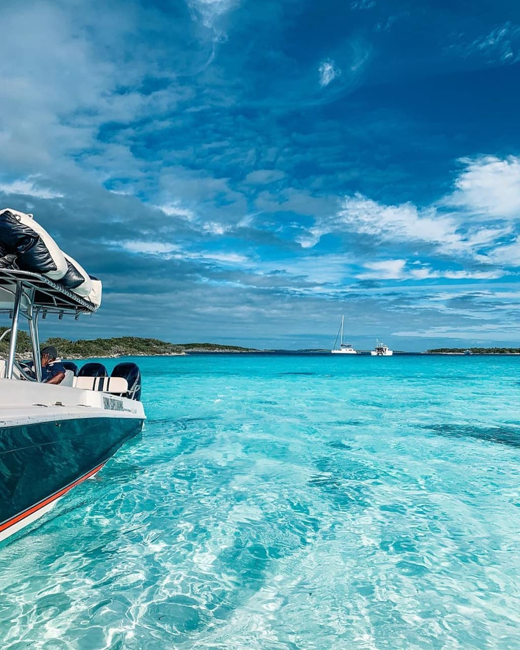 vurku.com-bahamas-CEzeynws_6M